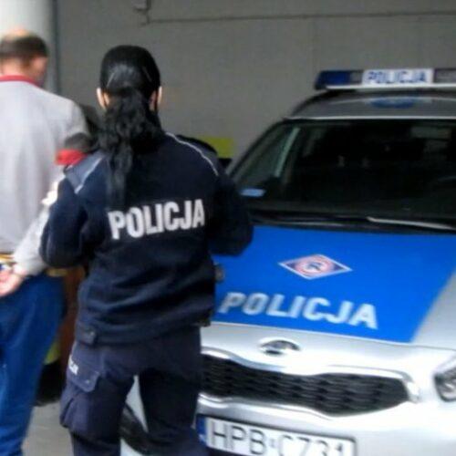 15 dni aresztu dla sprawcy wybicia szyb w dwóch samochodach