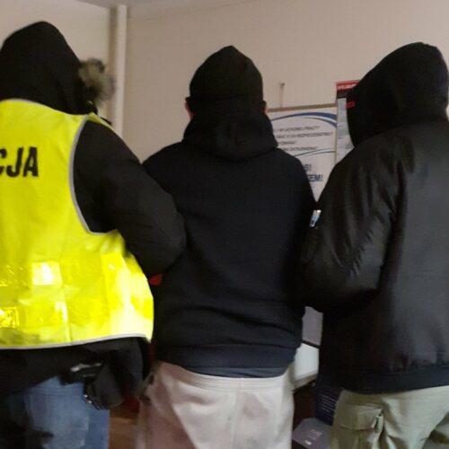 Policjanci z Jelcza-Laskowic zatrzymali sprawcę włamania i odzyskali znaczną część kradzionego mienia